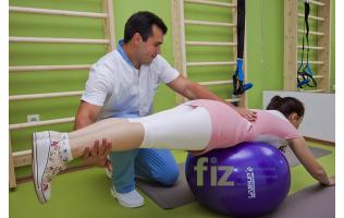 Кинезитерапевт от център FIZ прилага балансиран подход