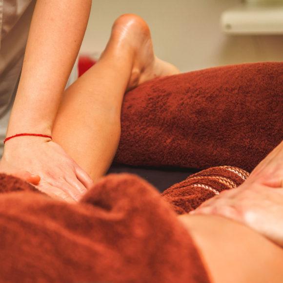 масаж на 4 РЪЦЕ